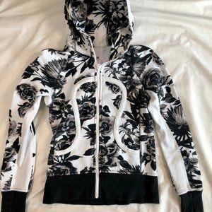 lululemon athletica Jackets & Coats - Lululemon Athletica hooded jacket
